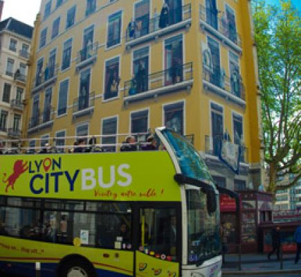 Lyon City Bus Pass 2 jours Hop On... Hop Off